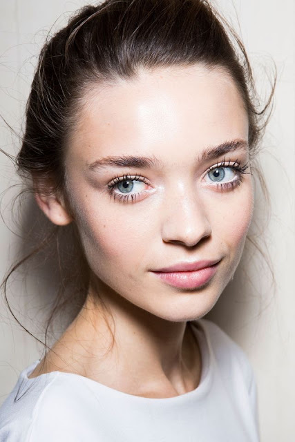 WHISPER blog: EM BRANCO #make #makeup #branco #delineador #white #eyeliner
