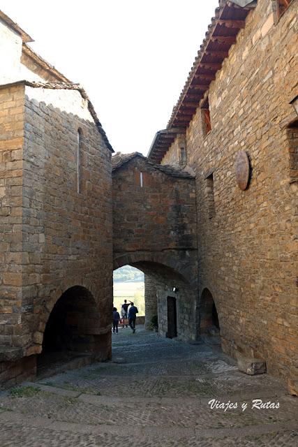 Arco del Hospital, Aínsa