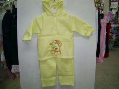 conjunto polar amarillo
