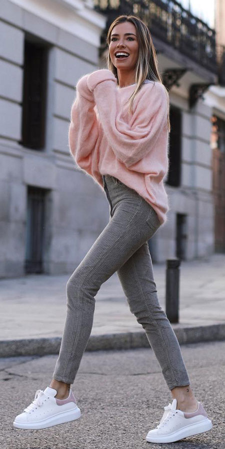 Find casual outfits winter to spring casual outfits and celebrity casual outfits. See 28 Best Comfy Casual Outfits to Wear Every Day of February. women casual outfit | outfit ideas casual | style outfits casual | casual style outfits | Casual Fashion via higiggle.com #fashion #stle #casualoutfits #comfy