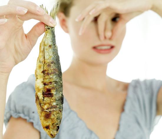 Το ψάρι βρωμάει απ' το κεφάλι! – Real Politics