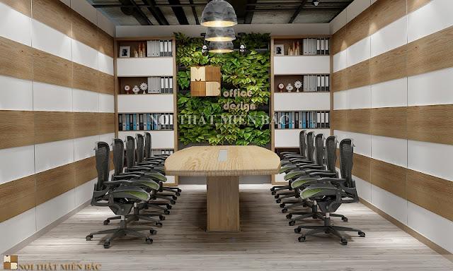 Trong thiết kế nội thất phòng họp cao cấp này được trang trí bằng cây xanh dưới dạng vườn đứng độc đáo