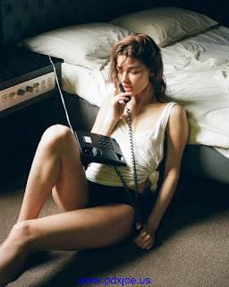 Sexy Model Ksenia Hot Pose by Jan Kwan