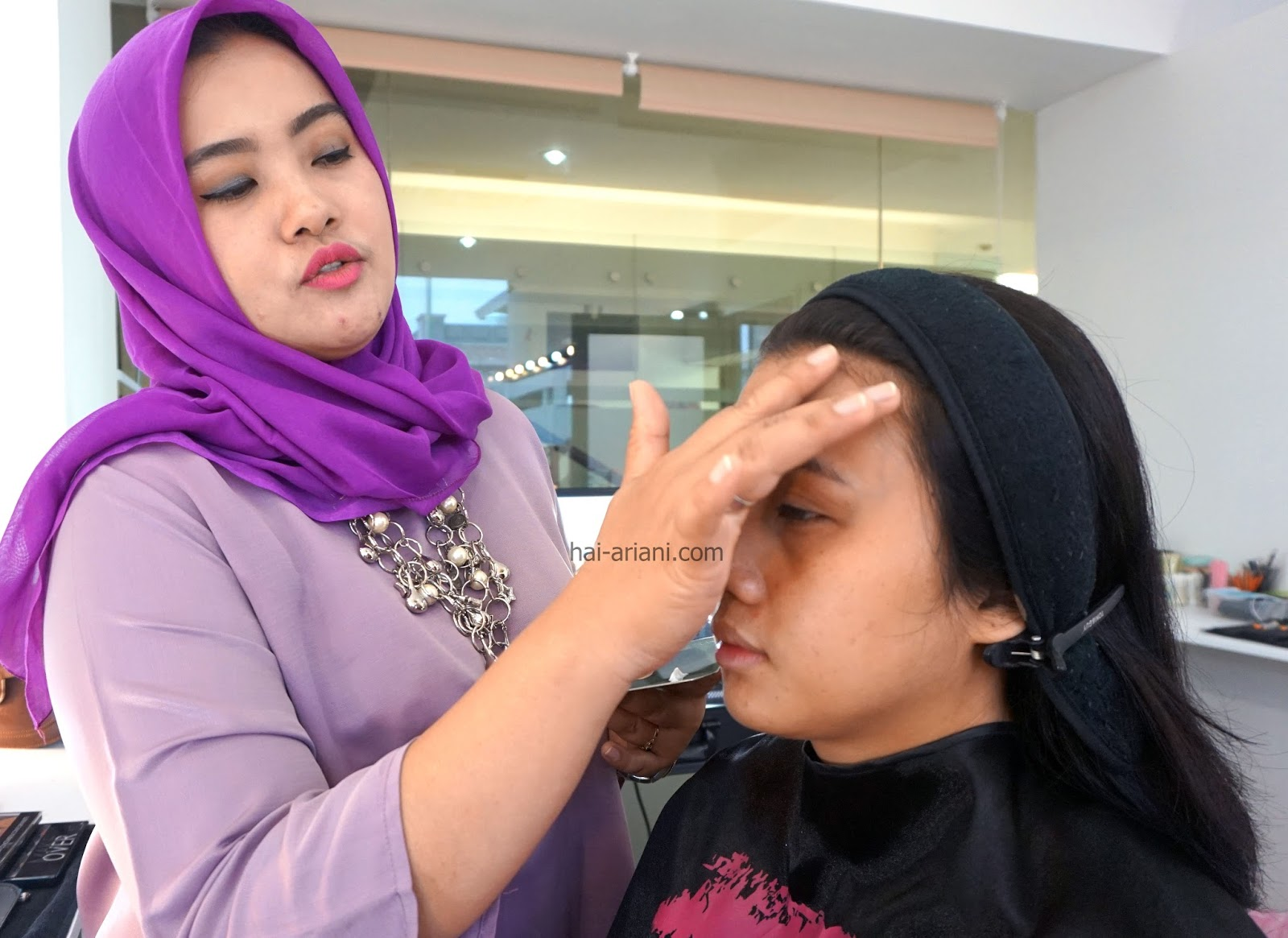 cara jadi makeup artist