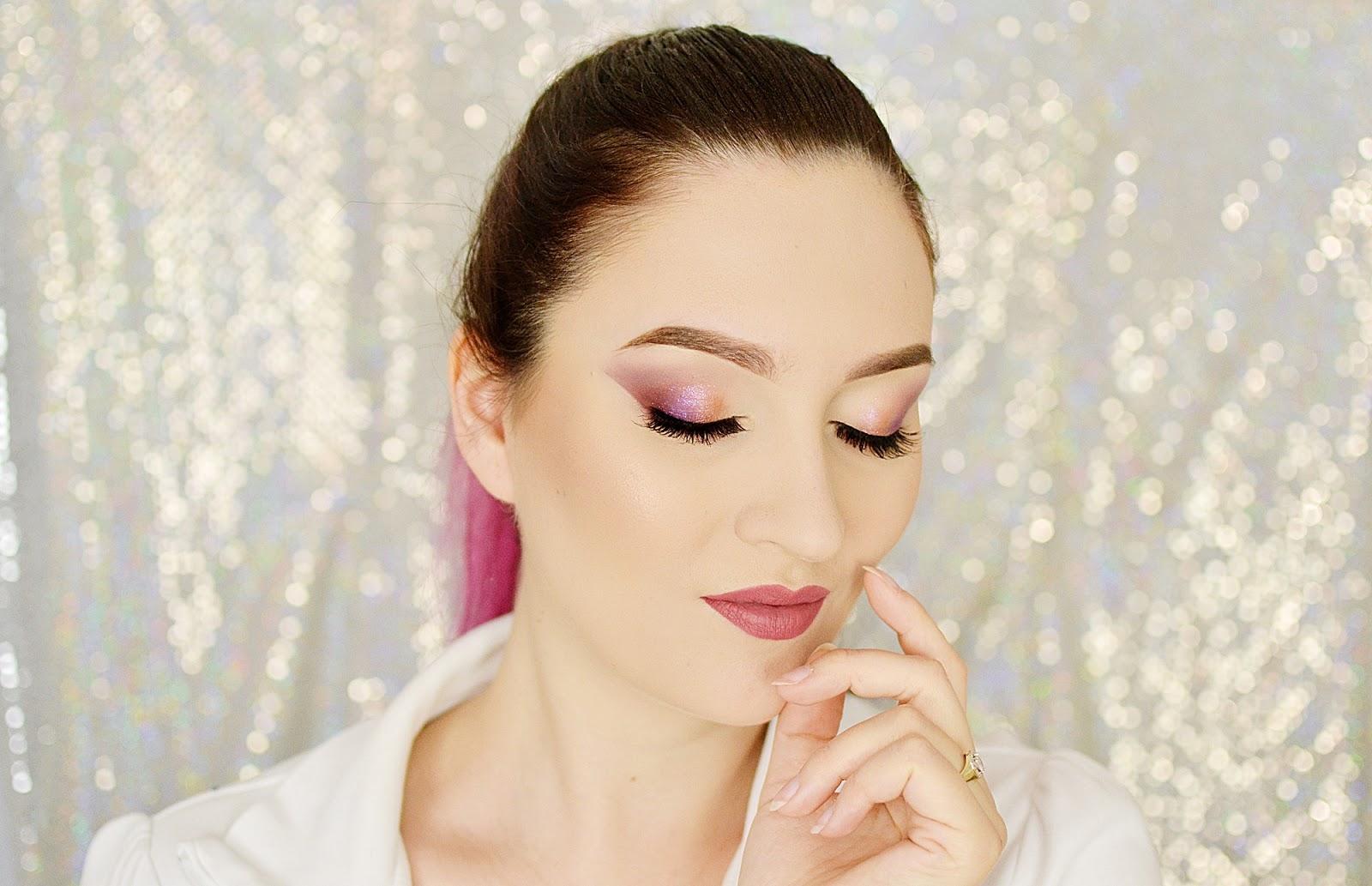 makijaż ślubny z kolorem