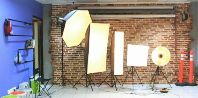 Daftar Alamat Dan Nomor Telepon Studio Foto Di Surabaya