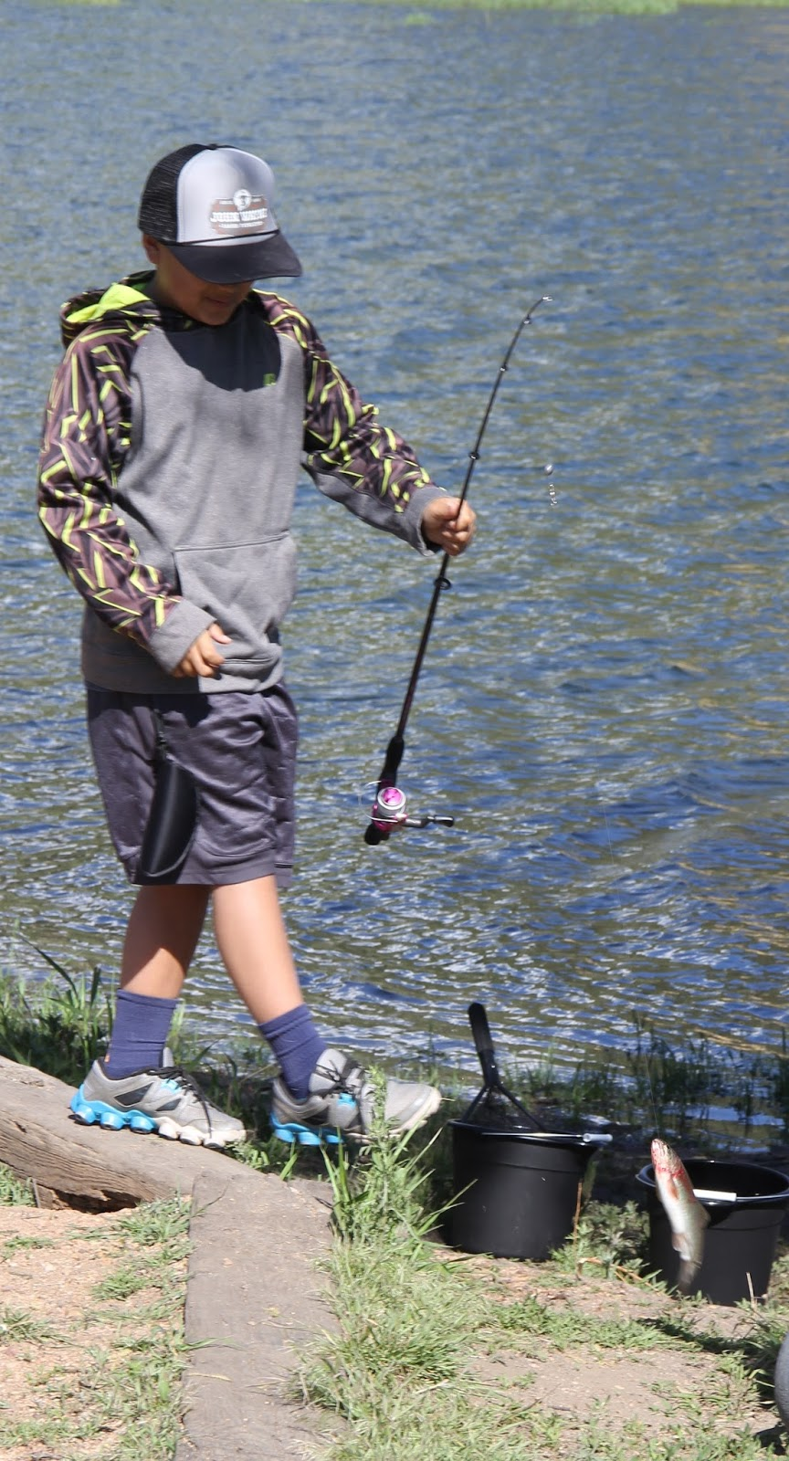 Restless native fishing derby returns to palmer lake for Colorado fishing laws