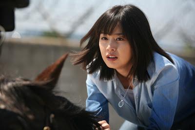 【賽馬甜心】女騎士金泰希「該邊」黑青換來螢幕奔馳 - WoWoNews