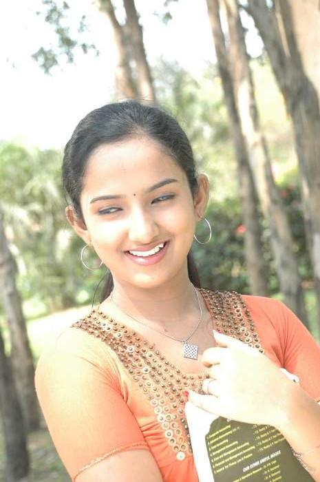 Susi Appadithan Movie Sexy Photos, Free Download, Susi -5730