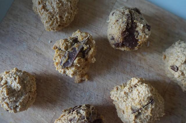une_jouree_dans_mon_assiette_healthy_réequilibrage_alimentaire_cookie_dough_energy_ball