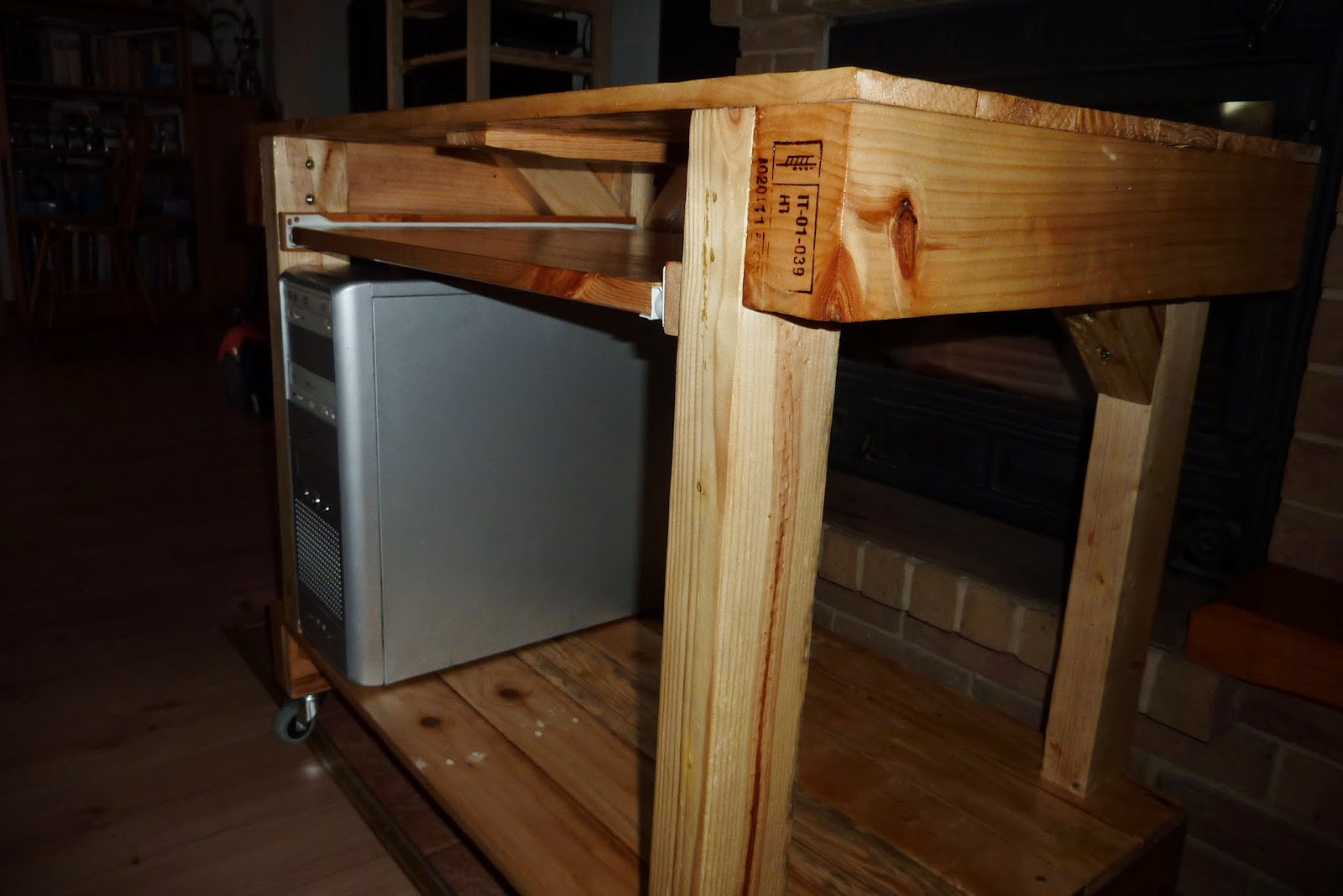 Moje Starocie Stolik Pod Komputer