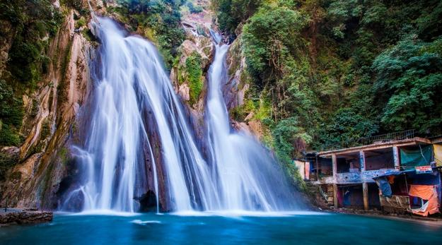 Experience rich Natural Charm in Kempty Falls, Jharipani Falls & Bhatta Falls