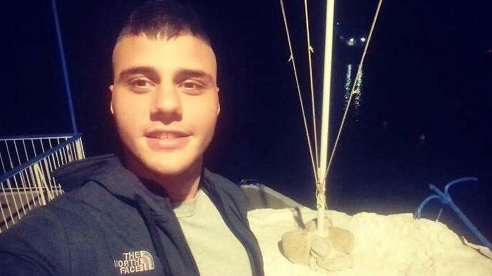 Παραδόθηκε ο δράστης της δολοφονίας του 21χρονου στον Πειραιά