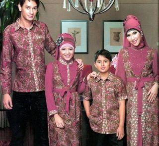 Model Baju Seragam Keluarga Untuk Pesta Perkawinan