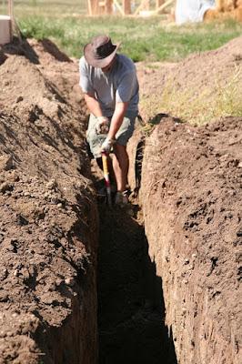 Cara Membuat Silase di Dalam Tanah