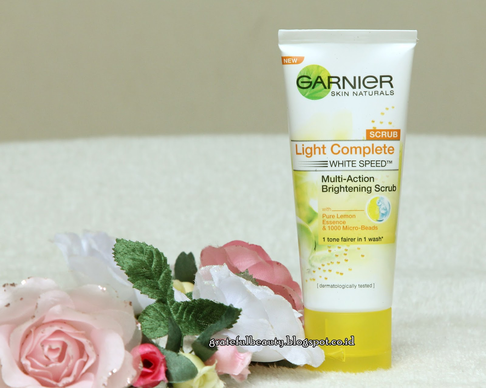 Review Garnier Light Complete White Speed Multi Action Brightening Paket Deskripsi Produk Scrub Wajah Yang Lembut Dan Mudah Dibilas Dengan 1000 Micro Beads Sari Lemon Untuk Membersihkan Secara Menyeluruh 1