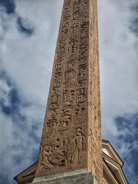 obelisco en roma