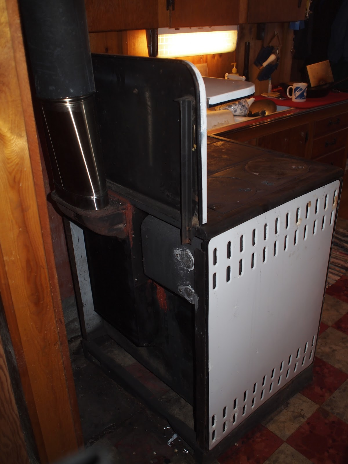 Wood fired cook stove, the Montag Princess | t i n y m o t o