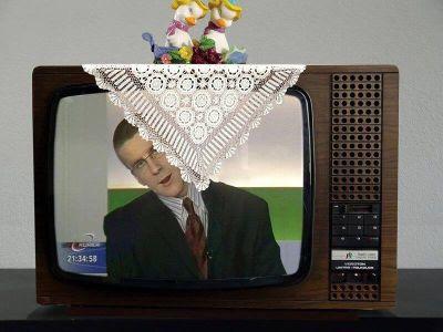 Cand mileul acopera televizorul!