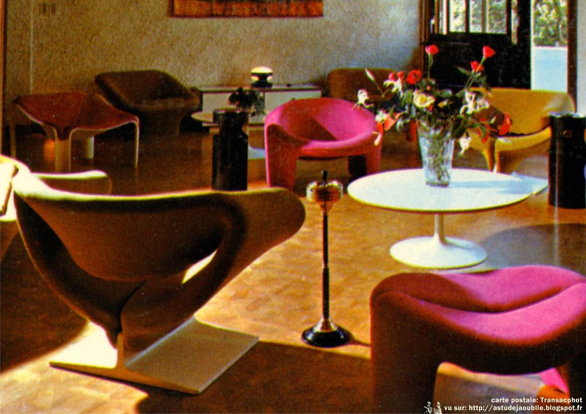 mobilier sur cartes postales part 2 1960 1970. Black Bedroom Furniture Sets. Home Design Ideas