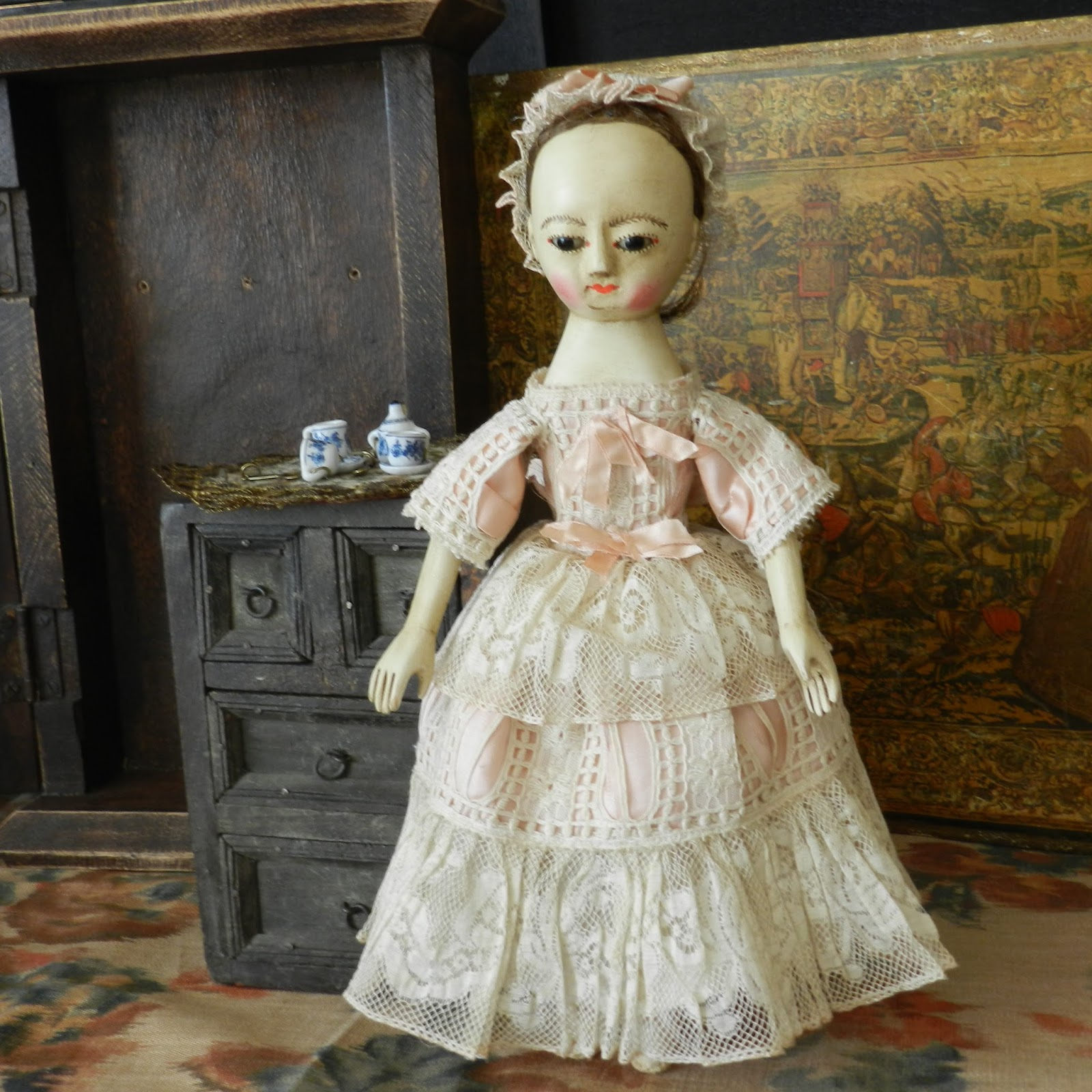 The old wooden sisters little lulu queen anne doll baby