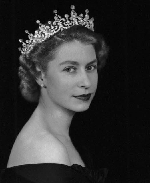 Αποτέλεσμα εικόνας για βασίλισσα Ελισαβετ