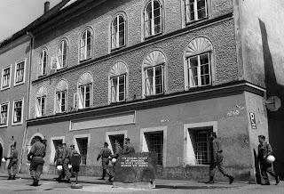 Abbattere la casa di Hitler