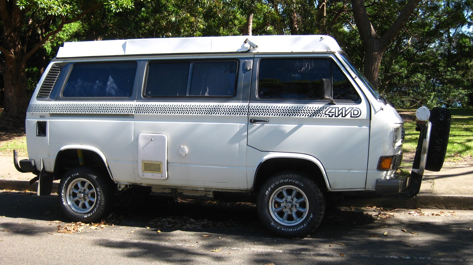 Aussie Old Parked Cars 1989 Volkswagen Transporter Syncro 4wd