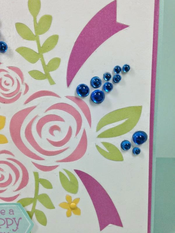 Close To My Heart Artfully Sent Cricut cartridge Floral Bouquet card closeup