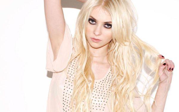 Taylor Momsen Artis Muda Hollywood Tercantik dan Terpopuler Saat ini