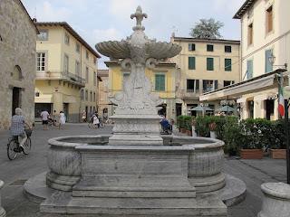 Piazza Principale, the main square in Camaiore