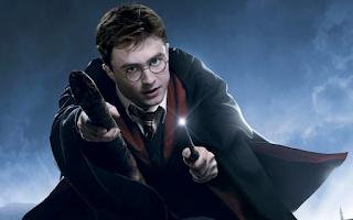 Para hacer invitaciones, tarjetas, marcos de fotos o etiquetas, para imprimir gratis de Harry Potter.