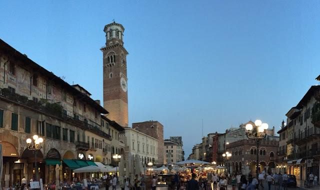 Piazza dell'Erbe en Verona