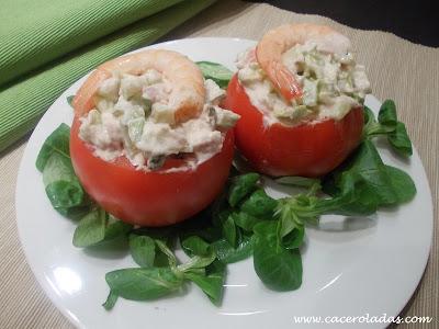 Tomates rellenos de Cóctel de marisco