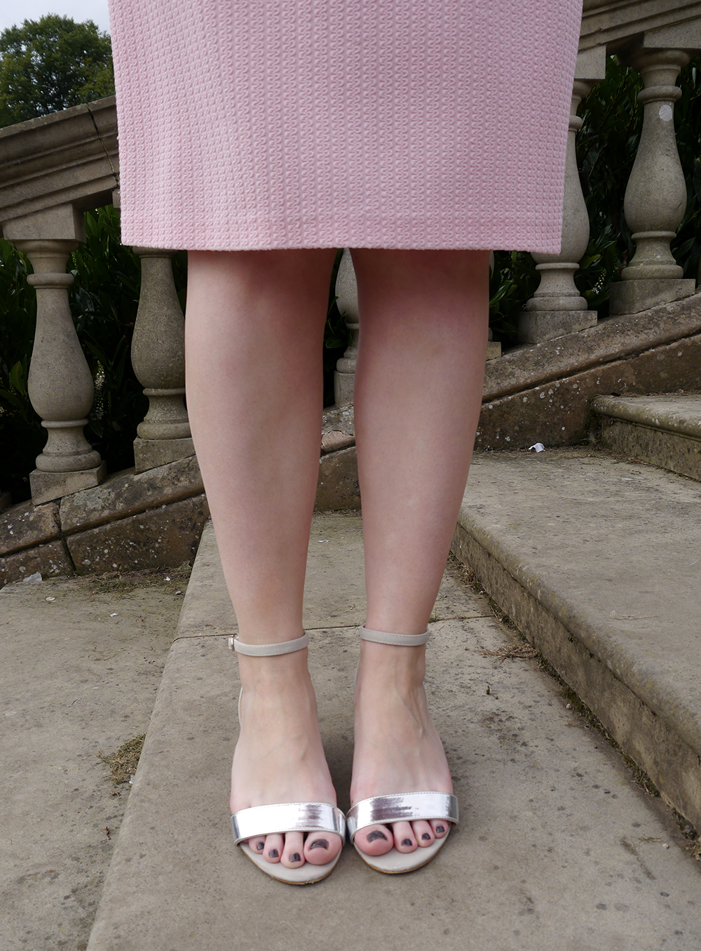 metallic strap shoes, bargain shopping in dundee, vintage weigh and pay, tips for shopping ethically and cheaply, cheap ethical fashion