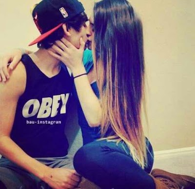 boy girl kiss image Whatsapp Profile Picture, DP, Images Download