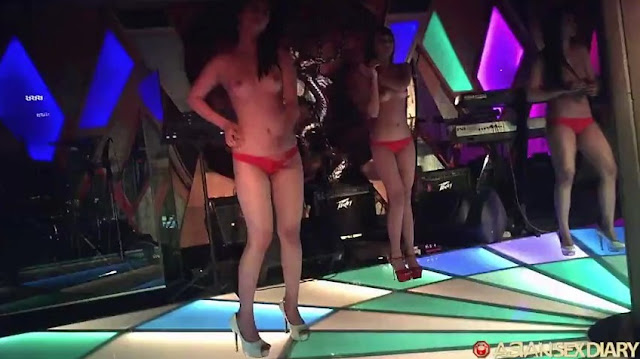 Video Bokep ASD - Stadium Disco Girls On Floor 3