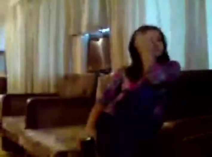 bangladais chanteur Akhi Alamgir xxx vidéo trentenaire forcé à sexe
