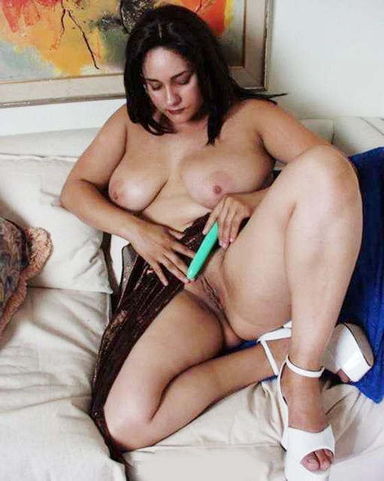 Bengali Old Aunty Shaving Pussy Wallpapers-2599