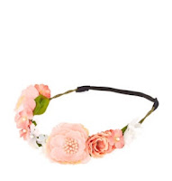 http://www.claires.com/fr/shimmery-pink-flower-hair-garland-2603.html?cgid=2748#start=26