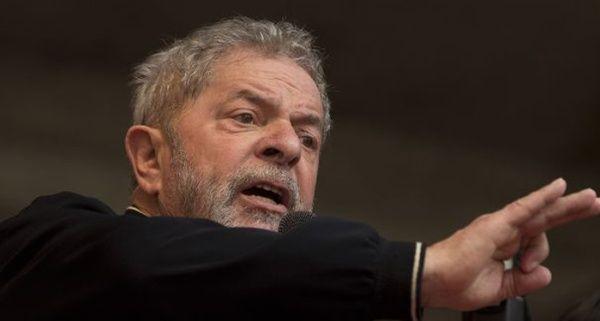 Lula solicita anticipar elecciones ante un Brasil desgobernado