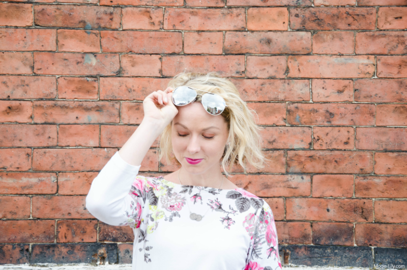 Summer Outfit - Joules Jersey Top | Mirrored Sunglasses