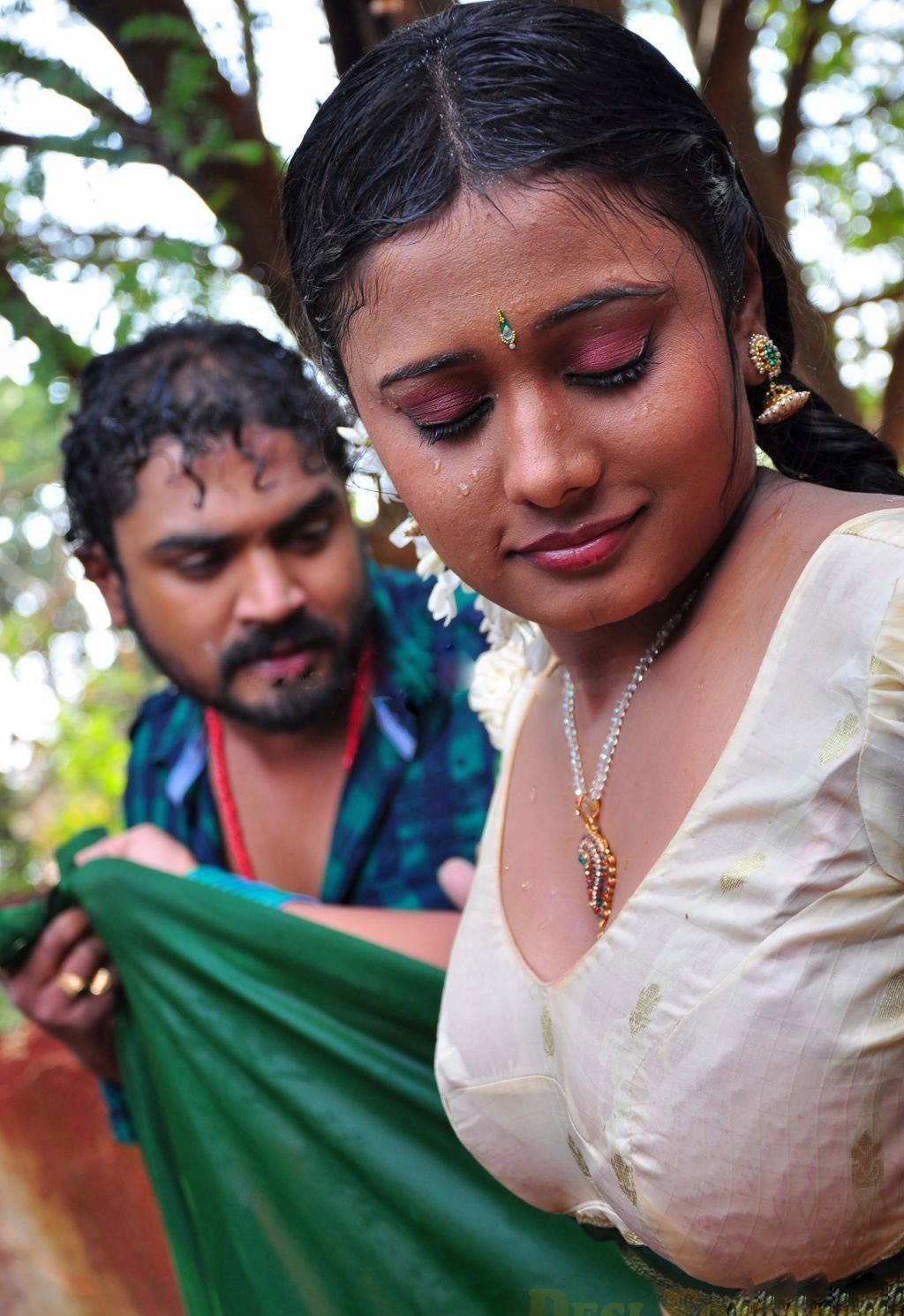 Spicy Hot Masala Romantic Scenes From Hot Movies - Hm -9258