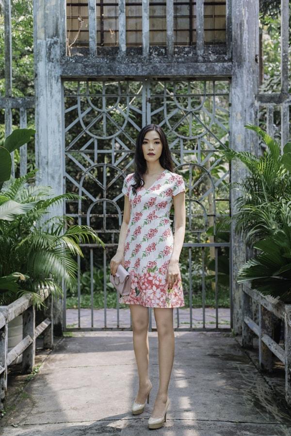 Hoa hậu Thùy Dung gợi ý chọn váy hoa cho nàng công sở - 4