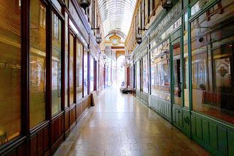 Paris : Passage du Bourg-l'Abbé, poésie surannée, atmosphère singulière - IIème