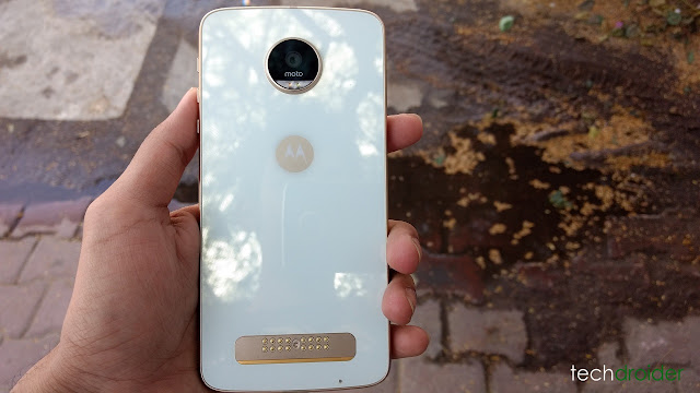 Moto Z Play is Getting New Update, No It's not Nougat!