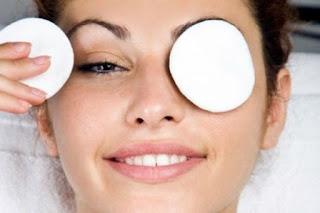 Solutions naturelles pour les yeux fatigués au réveil