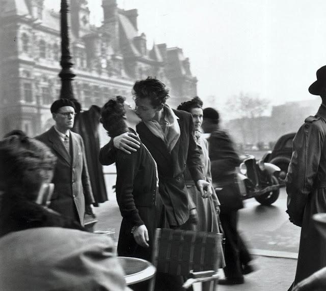 Foto do beijo do Hôtel de Ville, 1950