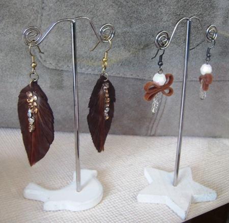 Pendientes pluma y libélula