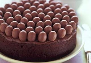 طريقة عمل كيكة البندق بالشوكولاته